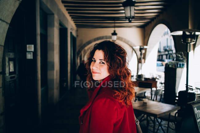 Casual woman in street — Stock Photo