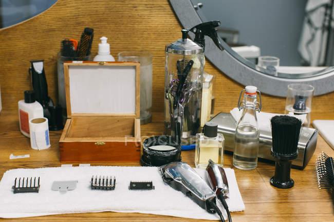 Парикмахерский инструмент в парикмахерской — стоковое фото