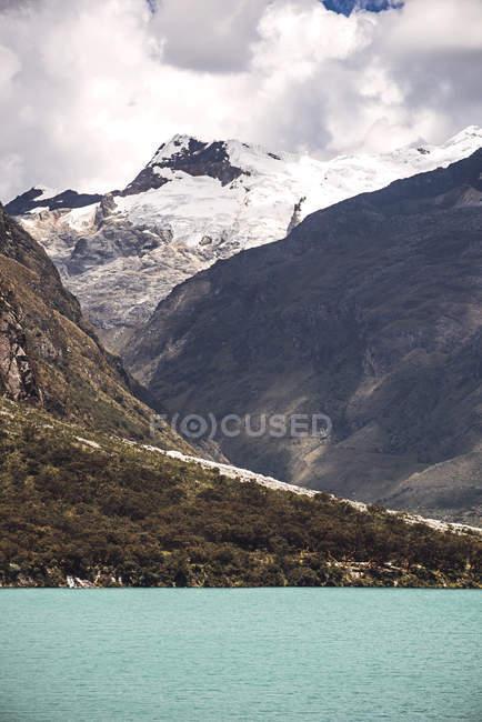 Huandoy montanha e Lago Paron — Fotografia de Stock