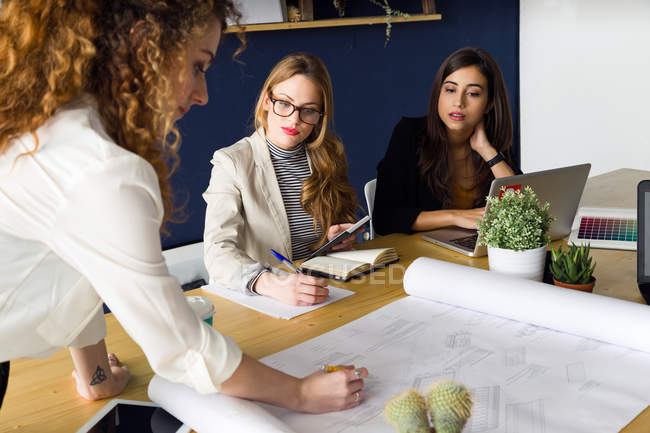 Conference in modern office — Stock Photo