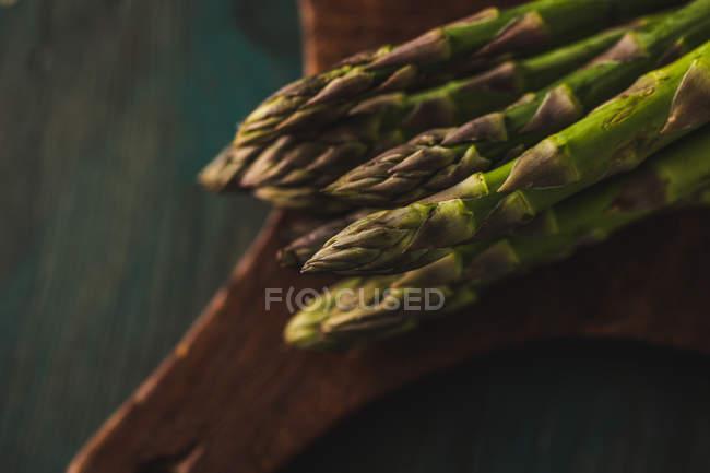 Lances d'asperges fraîches — Photo de stock
