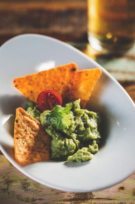 Вкусные домашние гуакамоле — стоковое фото