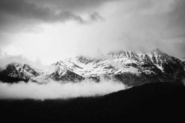 Montagne Di Neve In Bianco E Nero Paesaggio Montano Vista Stock