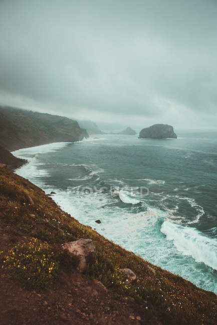 Stormy sea and shoreline — Stock Photo