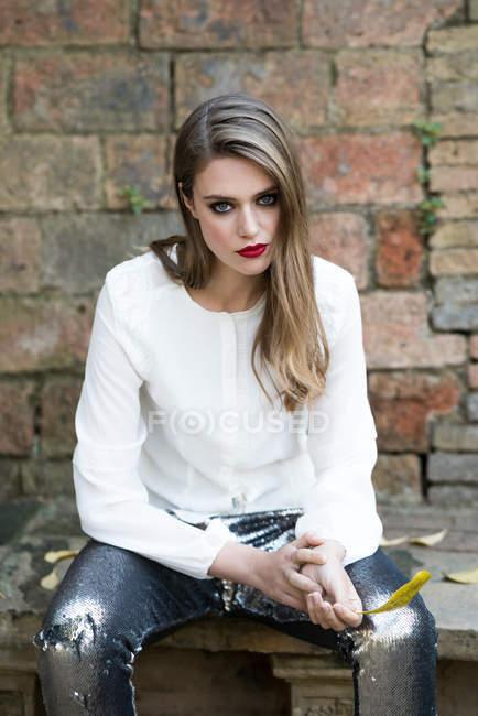 Glamorous model with vivid makeup — Stock Photo