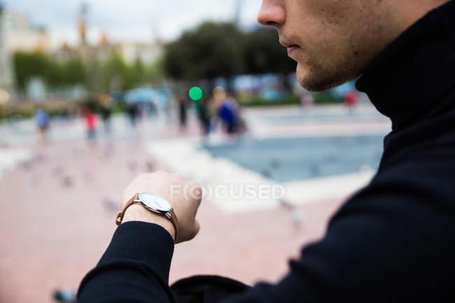 Coltivazione del tempo di controllo maschile — Foto stock