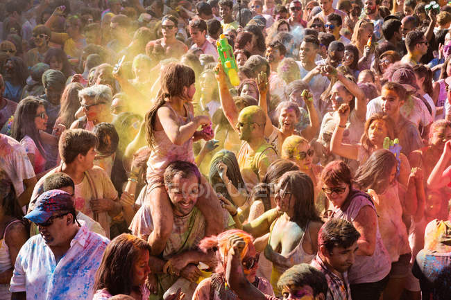 Holi Festival of Monsoon, Lavapies, Madrid — Stock Photo