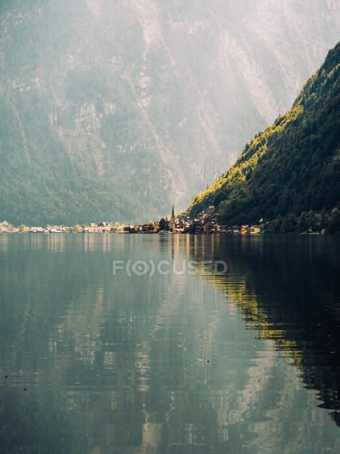 Lake in green mountains — Stock Photo