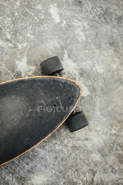 Close crop view of skateboard — Stock Photo