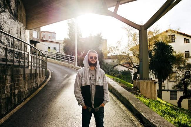 Man on urban background — Stock Photo
