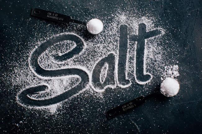 Солі й слово сіль — стокове фото