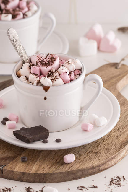Hot chocolate with marshmallows — Stock Photo