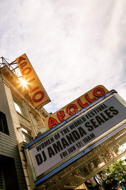Chapiteau de l'Apollo Theater à Harlem — Photo de stock
