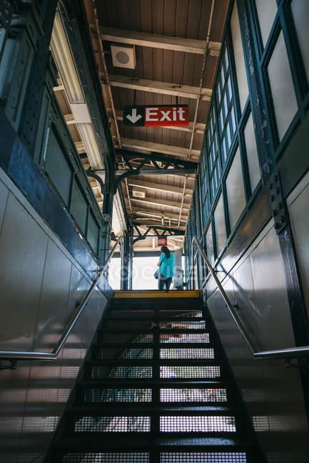 Saída de metrô em Harlem, Nova York — Fotografia de Stock