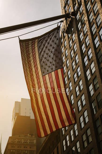 Нас прапор на заході сонця — стокове фото