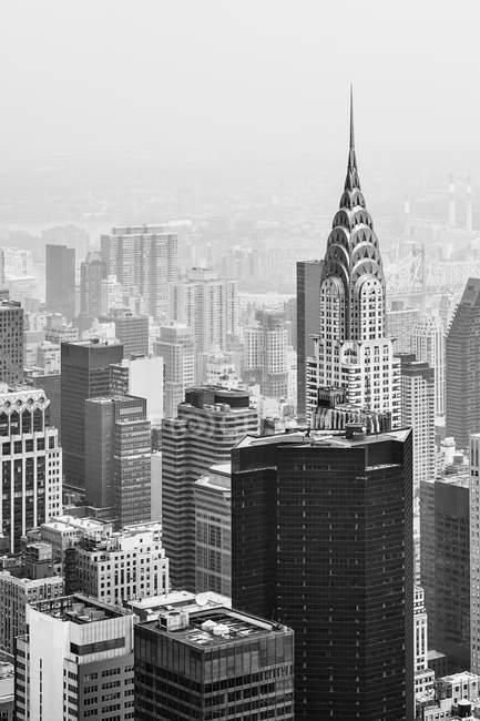 Manhattan Skyline en un día nublado - foto de stock