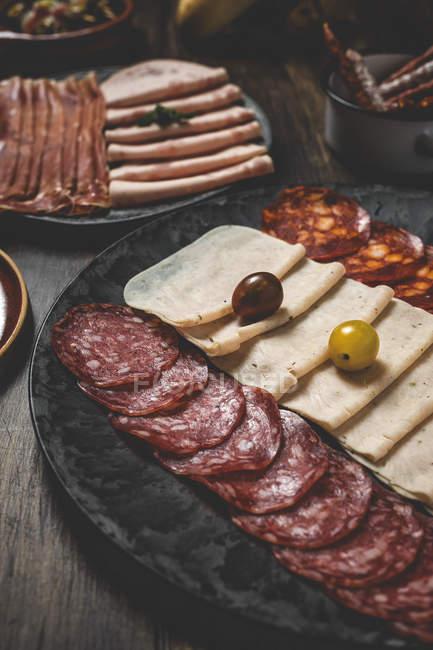 Испанская кухня закуски на пластины — стоковое фото