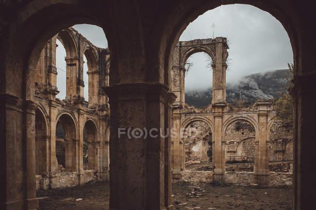 Rovine del vecchio monastero — Foto stock