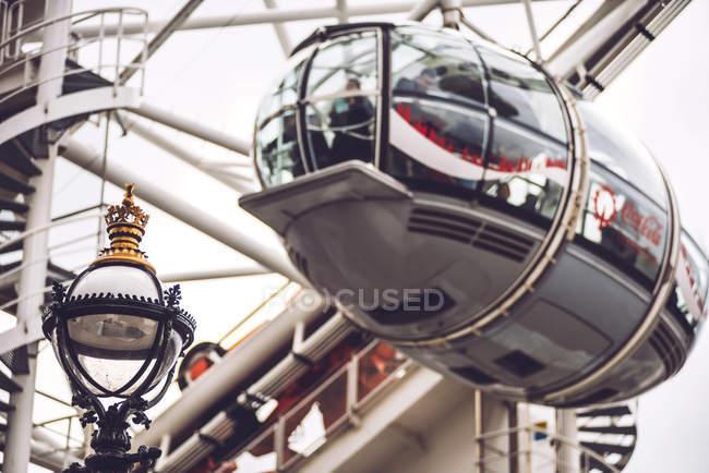 London eye пором колесо — стокове фото