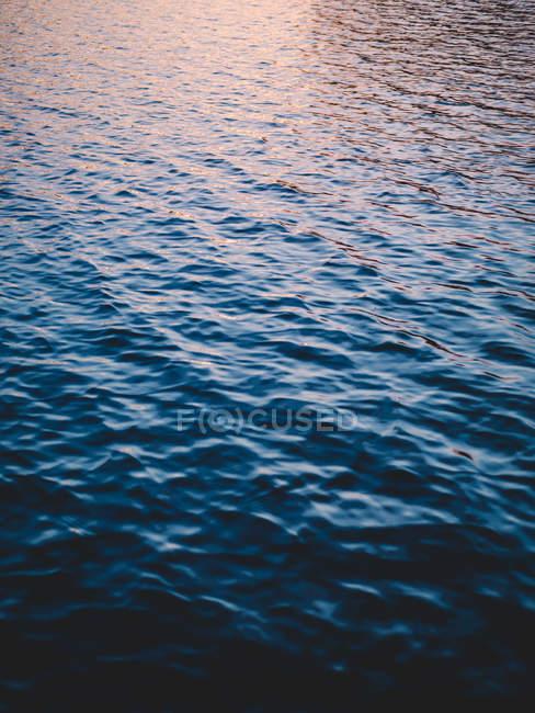 Ondulação de água azul — Fotografia de Stock
