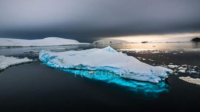 Paesaggio aereo dell'Antartide paesaggio naturale selvaggio — Foto stock