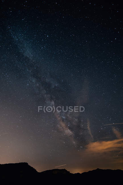 Scenic skyscape of starry night sky and milky way — Stock Photo