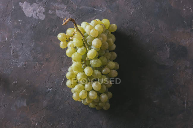 Directly from above view of bunch of green grapes — Stock Photo