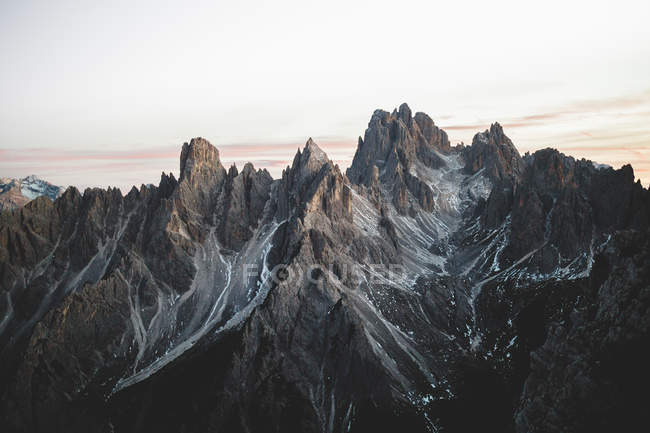 Picturesque landscape of rocky mountain ridge at sunrise. — Stock Photo