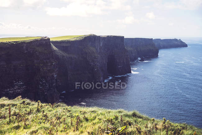 Scenic landscape of Moher cliffs on Atlantic coast — Stock Photo