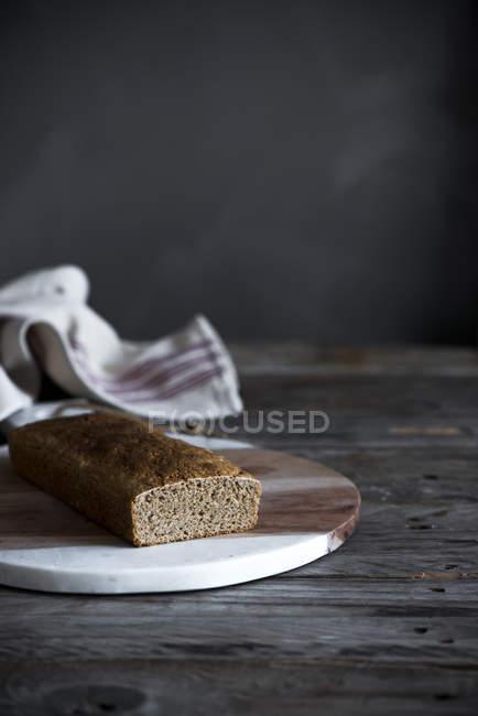 Stillleben mit hausgemachten Kuchen an Bord — Stockfoto