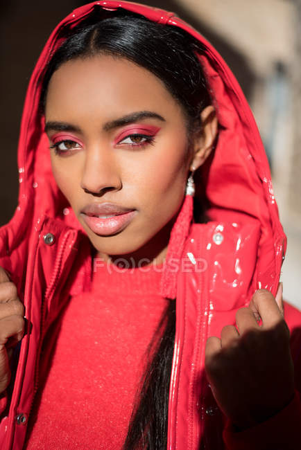 Sensual black woman in red clothes — Stock Photo