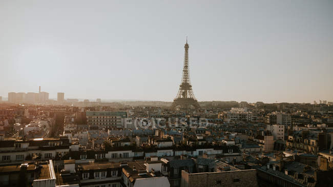 Eiffel tower and cityscape in sunny day, Paris, France — Stock Photo