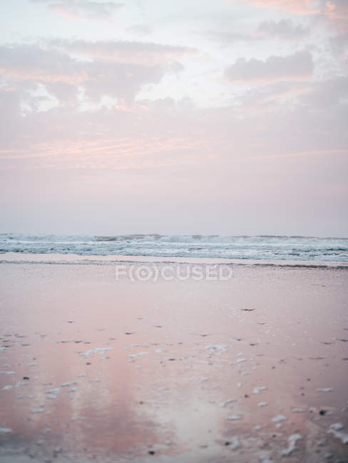 Wavy ocean and surf — Stock Photo