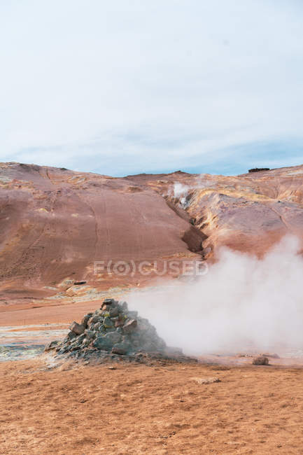 Hot steaming pools with mud and sulfur — Stock Photo