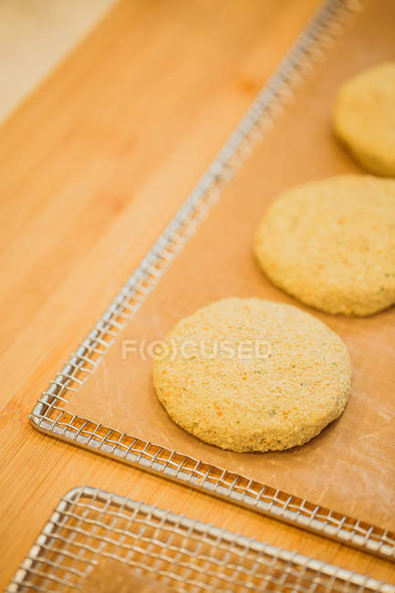 Patties prepared for baking — Stock Photo