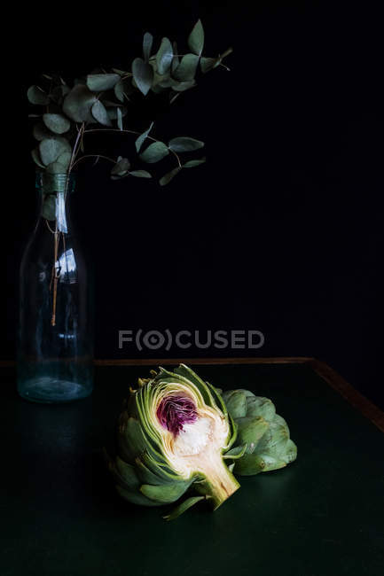 El retrato de la alcachofa - foto de stock