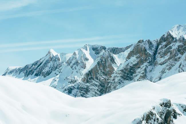 Remote white snowy mountains, Valle De Tena, Spain — Stock Photo