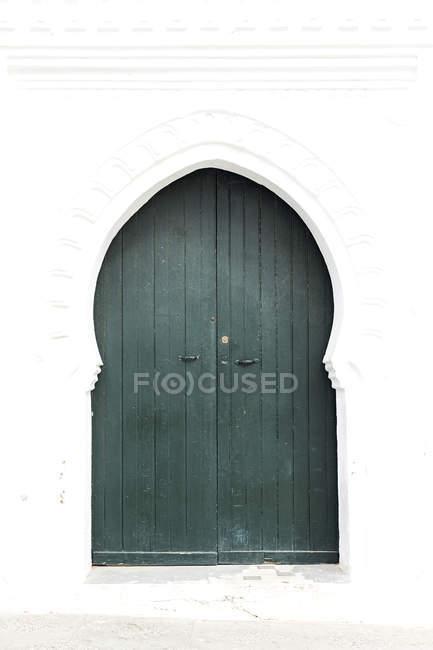 Typische arabische Eingangstüren, Marokko — Stockfoto