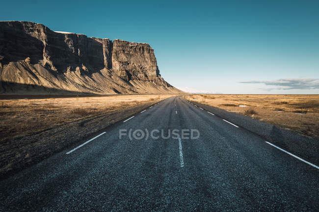 Landscape of road in rocky mountains, iceland — Stock Photo