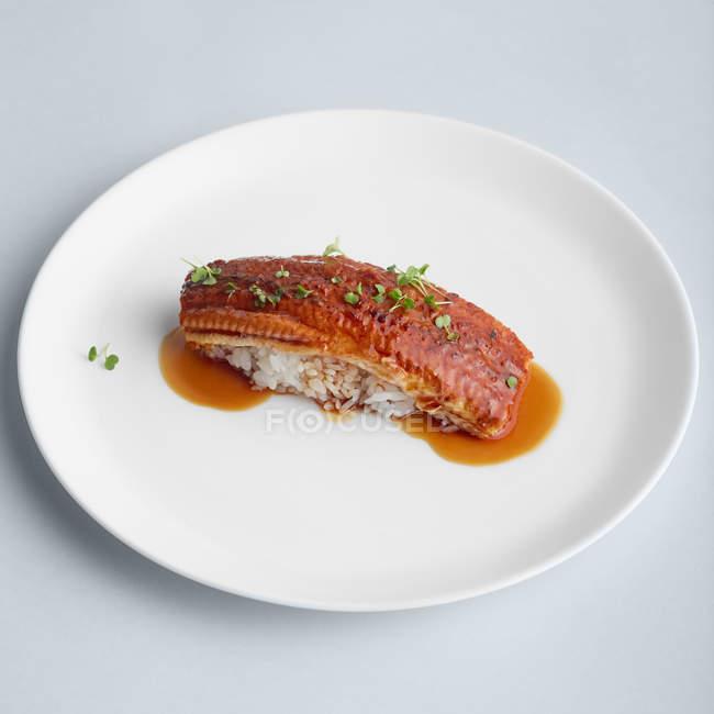 Composition japonaise avec l'anguille et riz — Photo de stock