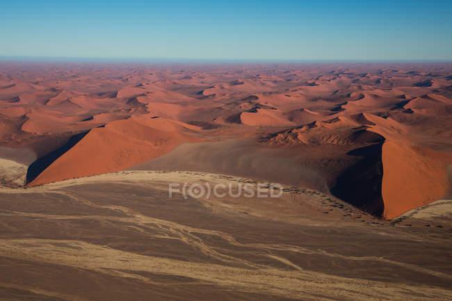 Піщані дюни сухої пустелі — стокове фото