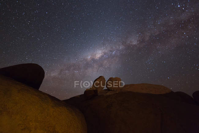 Boulders and starry sky — Stock Photo