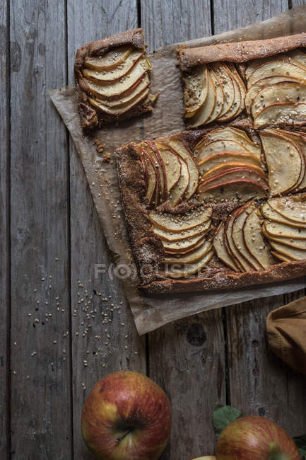 Homemade apple pie on rustic wooden table — Stock Photo