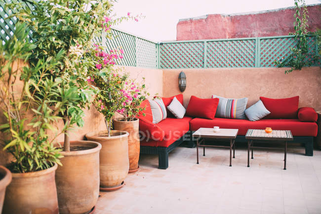 Beautiful Moroccan interior decor in riad rooftop — Stock Photo