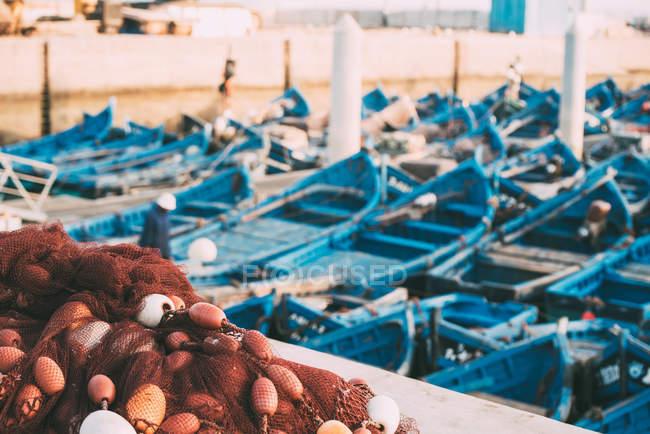 Barche da pesca ancorate nel porto di Essaouira, Marocco — Foto stock