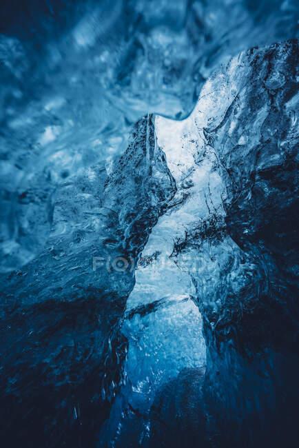 Bellissimo ghiaccio blu cristallo — Foto stock