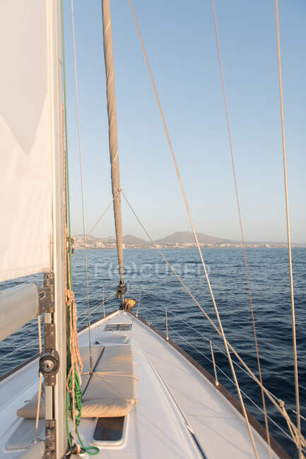 Edge of yacht on water — Stock Photo