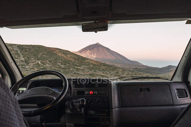 View from car at picturesque peak of mountain Teide at sunset in Tenerife, Canary Islands, Spain — Stock Photo