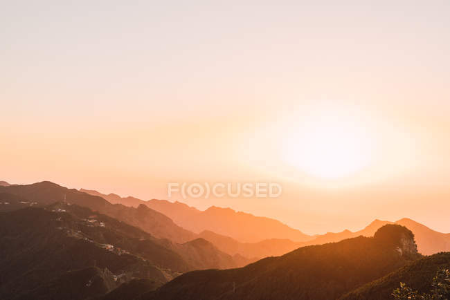 Silhouette of mountains in bright sunlight at sunrise, Tenerife, Canary Islands, Spain — Stock Photo