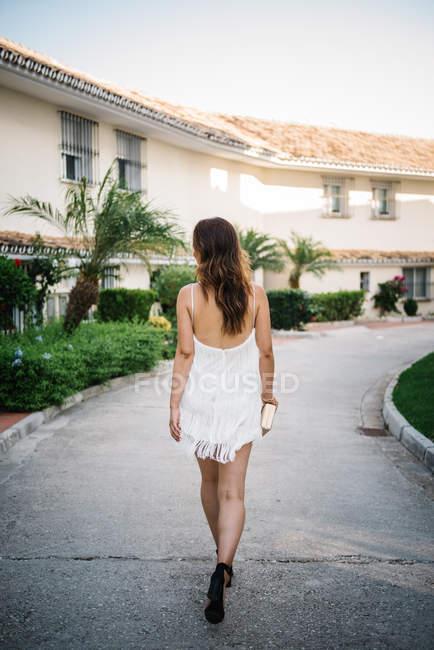 Woman enjoying holidays at a luxurious resort — Stock Photo
